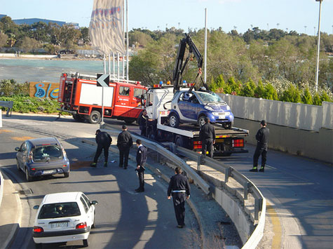 #7: Τρακαρισμένο αυτοκίνητο Smart - 1.002 views