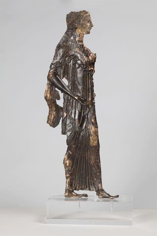 Διπλό έλασμα χάλκινο, με παράσταση της Αθηνάς. 530 π.Χ. - Credit Νίκος Δανιηλίδης