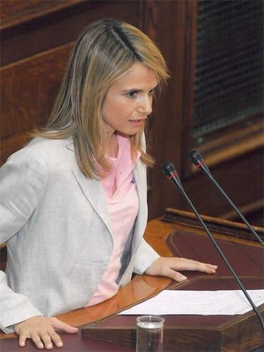 Μιλένα Αποστολάκη, υποψήφια βουλευτής Β΄Αθήνας, ΠΑΣΟΚ