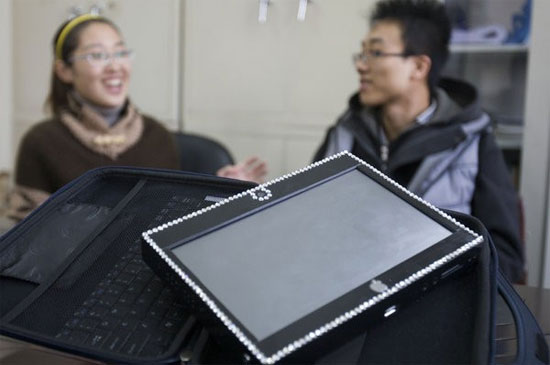 Φοιτητής έφτιαξε tablet με κόστος 125 δολαρίων και το έκανε δώρο στη κοπέλα του!