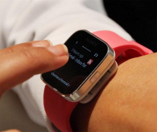 Τα «έξυπνα» ρολόγια είναι εδώ και συνδέονται στο internet!