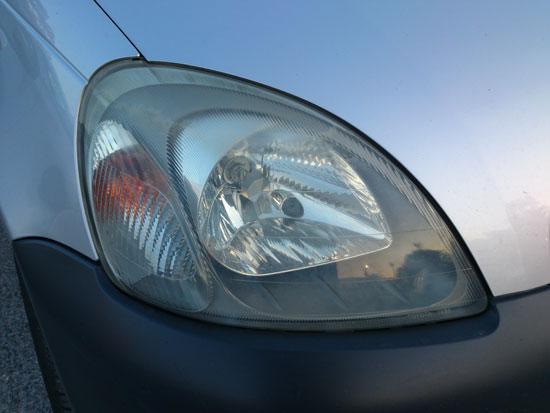 Φανάρι Toyota Yaris, Φωτο από το Sony Xperia S