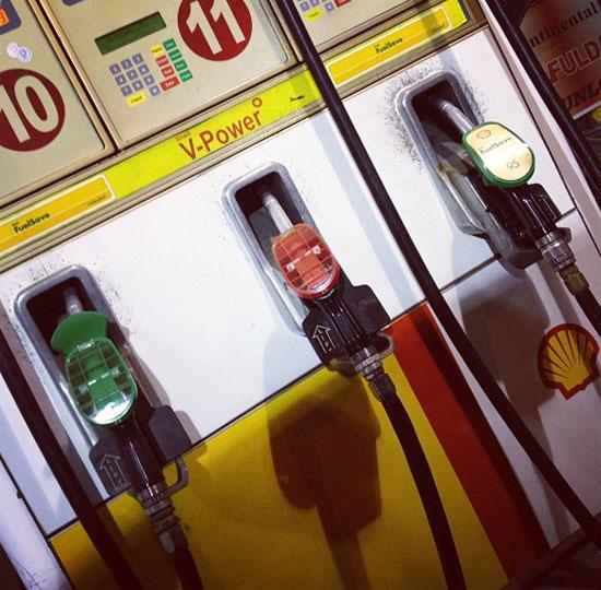 Βενζίνη: Πώς θα ανακόψουμε τη συνεχή άνοδο των τιμών;