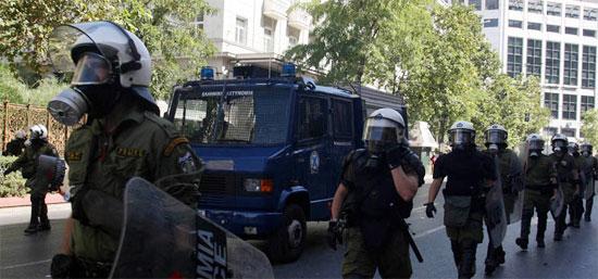 Η Μέρκελ στην Αθήνα   Απαγορεύει τις διαδηλώσεις η Αστυνομία!