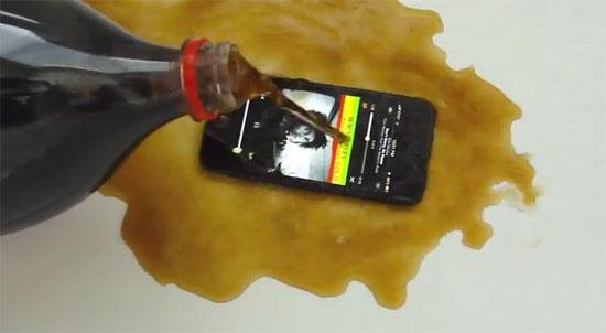 iPhone 5 coca cola