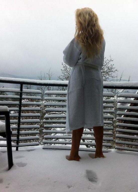 Ρία Τσίγα μπουρνούζι χιόνια