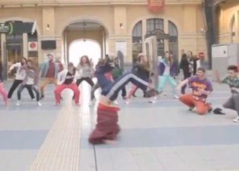 Misirlou Shake στο σταθμό του Πειραιά! (video)