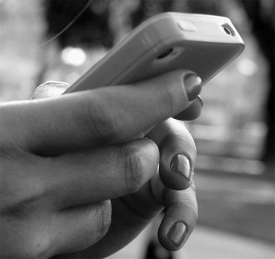 Η φτώχεια θέλει iPhone