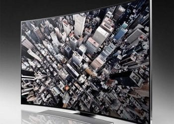 Samsung, Οι πρώτες κυρτές UHD τηλεοράσεις