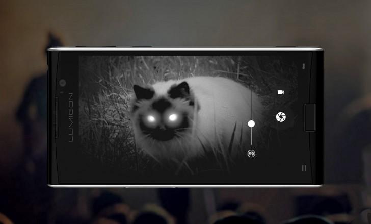 Φωτογραφίζοντας μια γάτα τη νύχτα