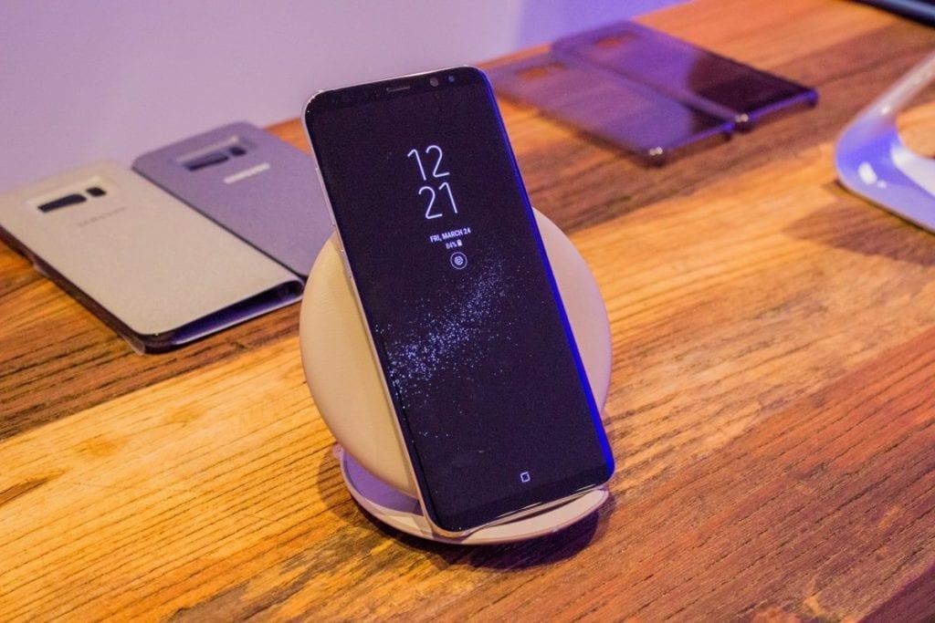 Samsung Galaxy S8 Charging pad