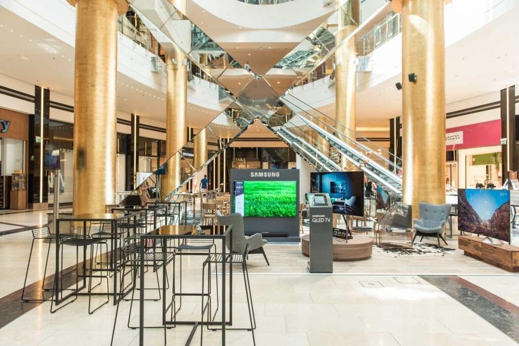 Samsung QLED TV @ Golden Hall (2)