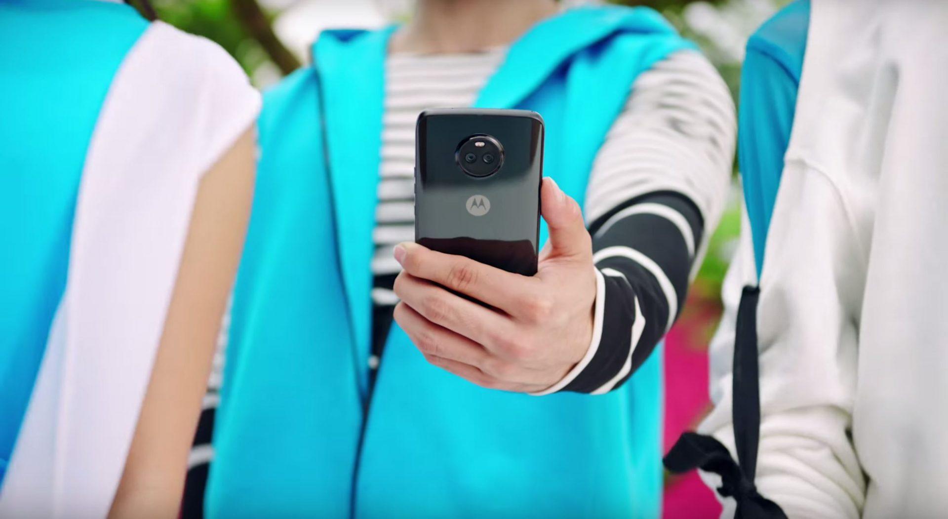 Lenovo Motorola Moto X4 hero