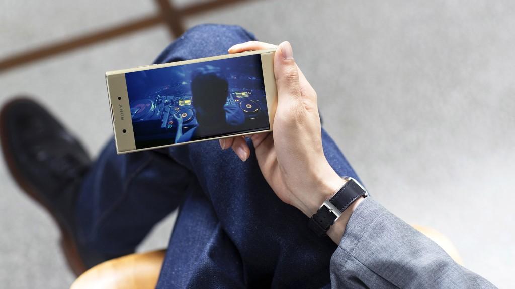 Sony Xperia XA1 Plus hero