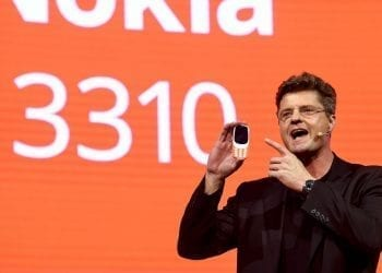 Nokia 3310 2017 hero