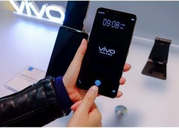Vivo X20 Plus UD hands on