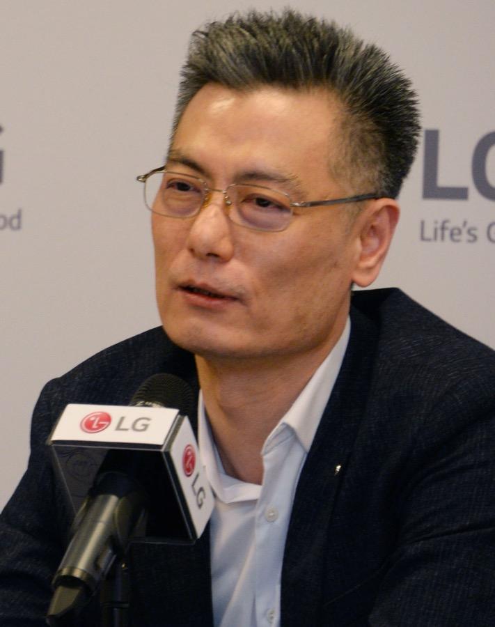 LG Electronics Mobile President Hwang Jeong hwan