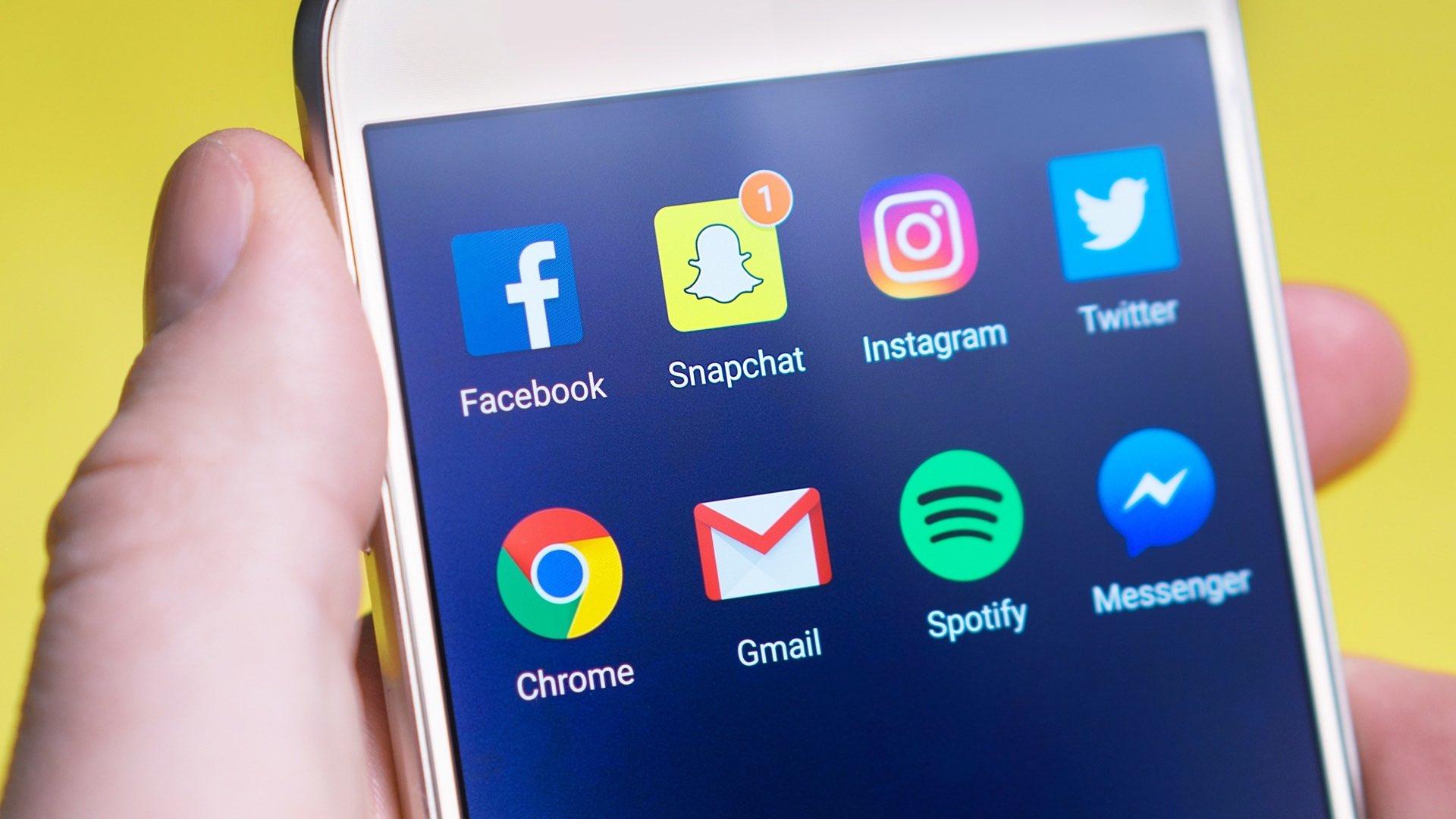 Social apps Facebook Snapchat Instagram