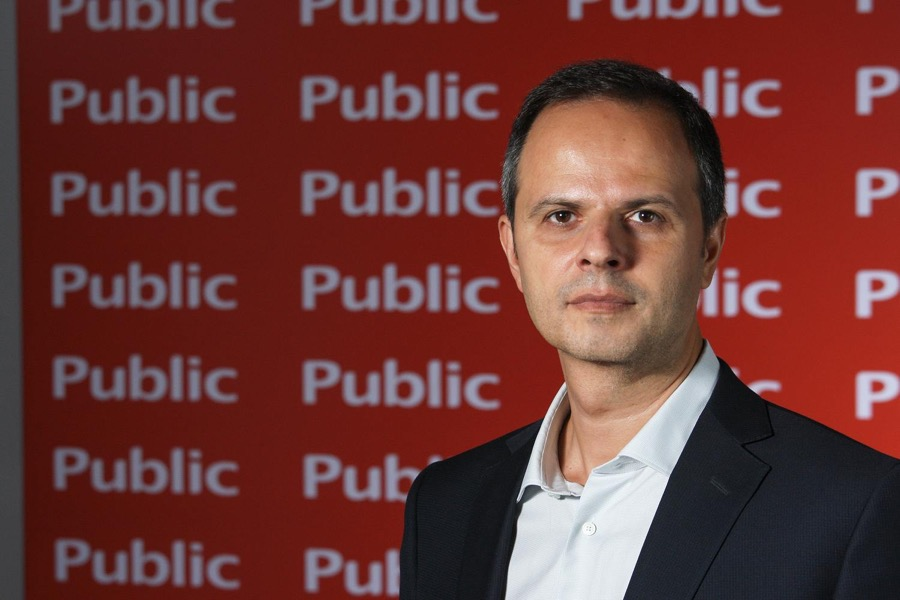 Public CEO