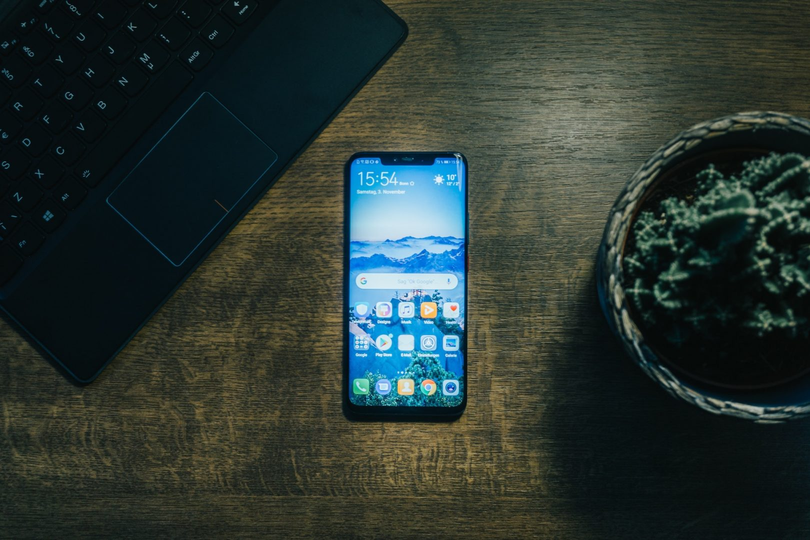 Huawei Mate 20 Pro Android phone