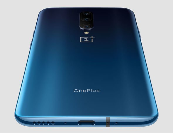 OnePlus 7 Pro back charging port