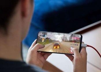 OnePlus 7 Pro gaming Warp charging