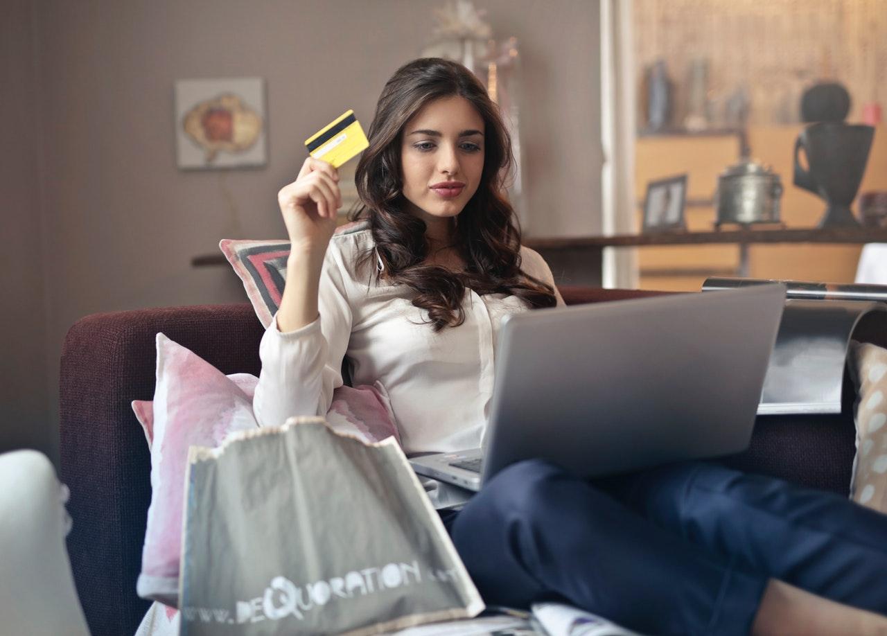 Καταναλωτής, αγορές, laptop
