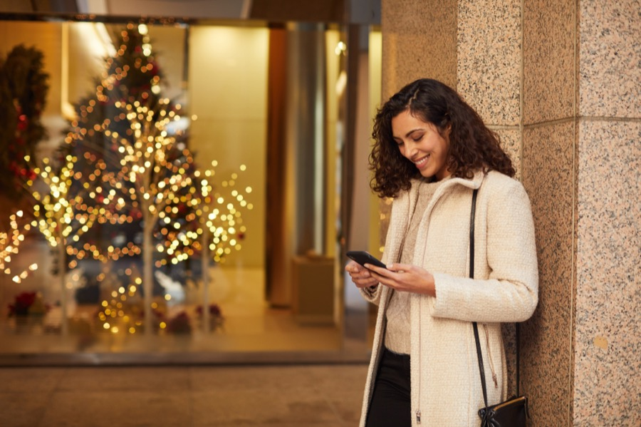 PayPal Holiday Mobile Shopping