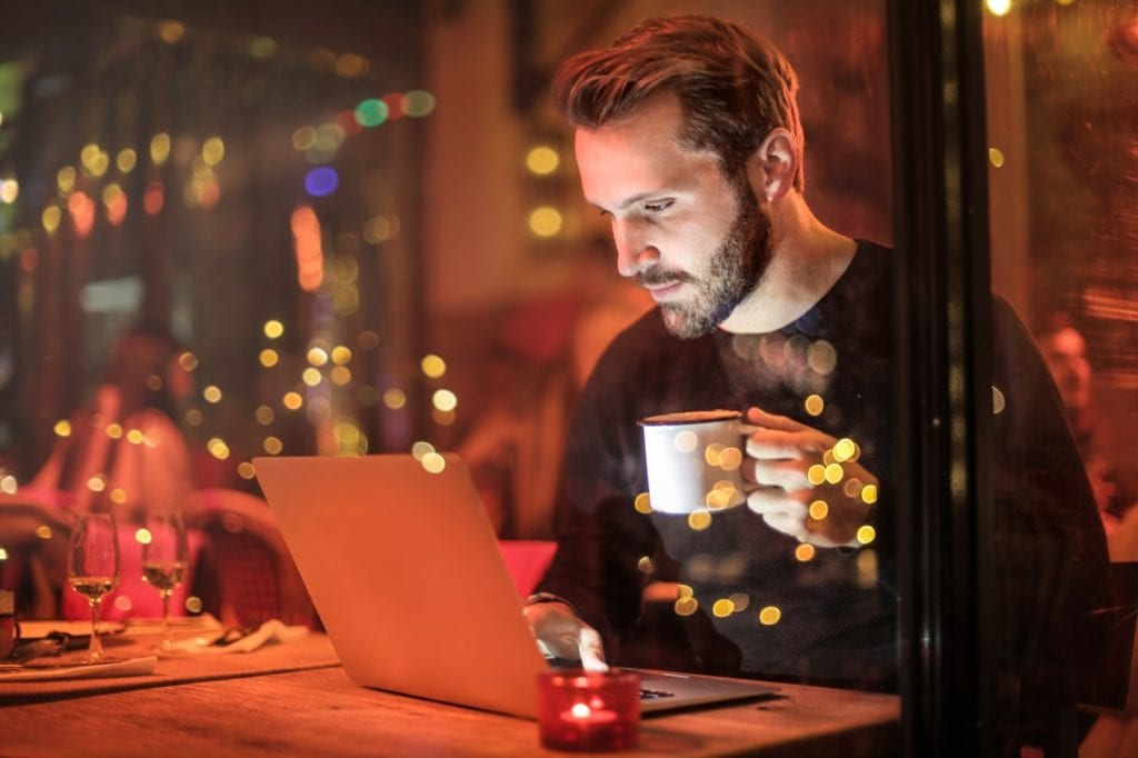 Internet, laptop
