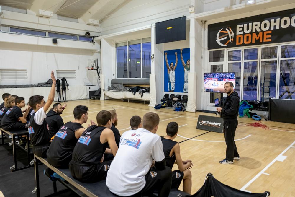 """Η ομάδα """"LG Αθλητές του Αύριο"""" παρακολούθησε το σεμινάριο Basketball school της Eurohoops Academy Εξέλιξις Α.Σ."""