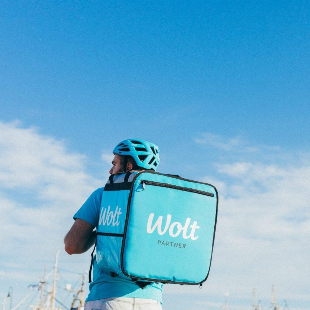 Στο Βόλο επεκτείνεται η Wolt