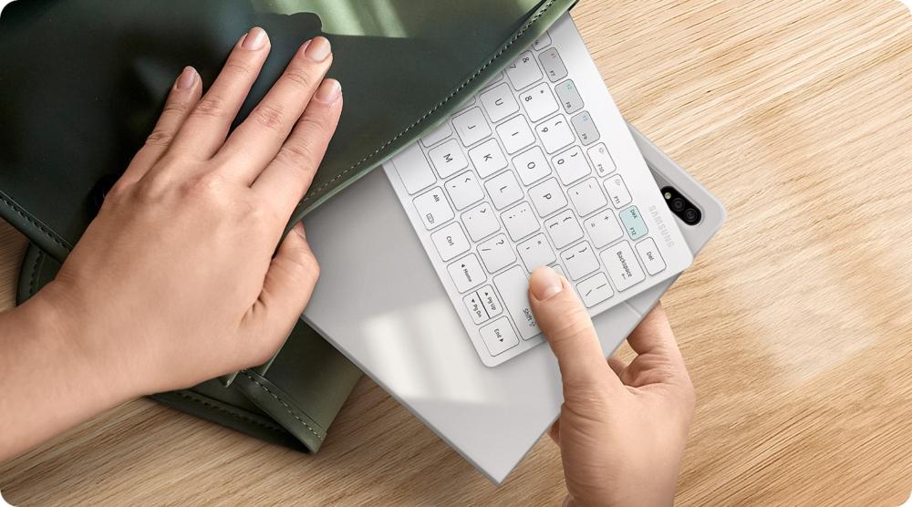 Samsung Smart Keyboard Trio 500 1