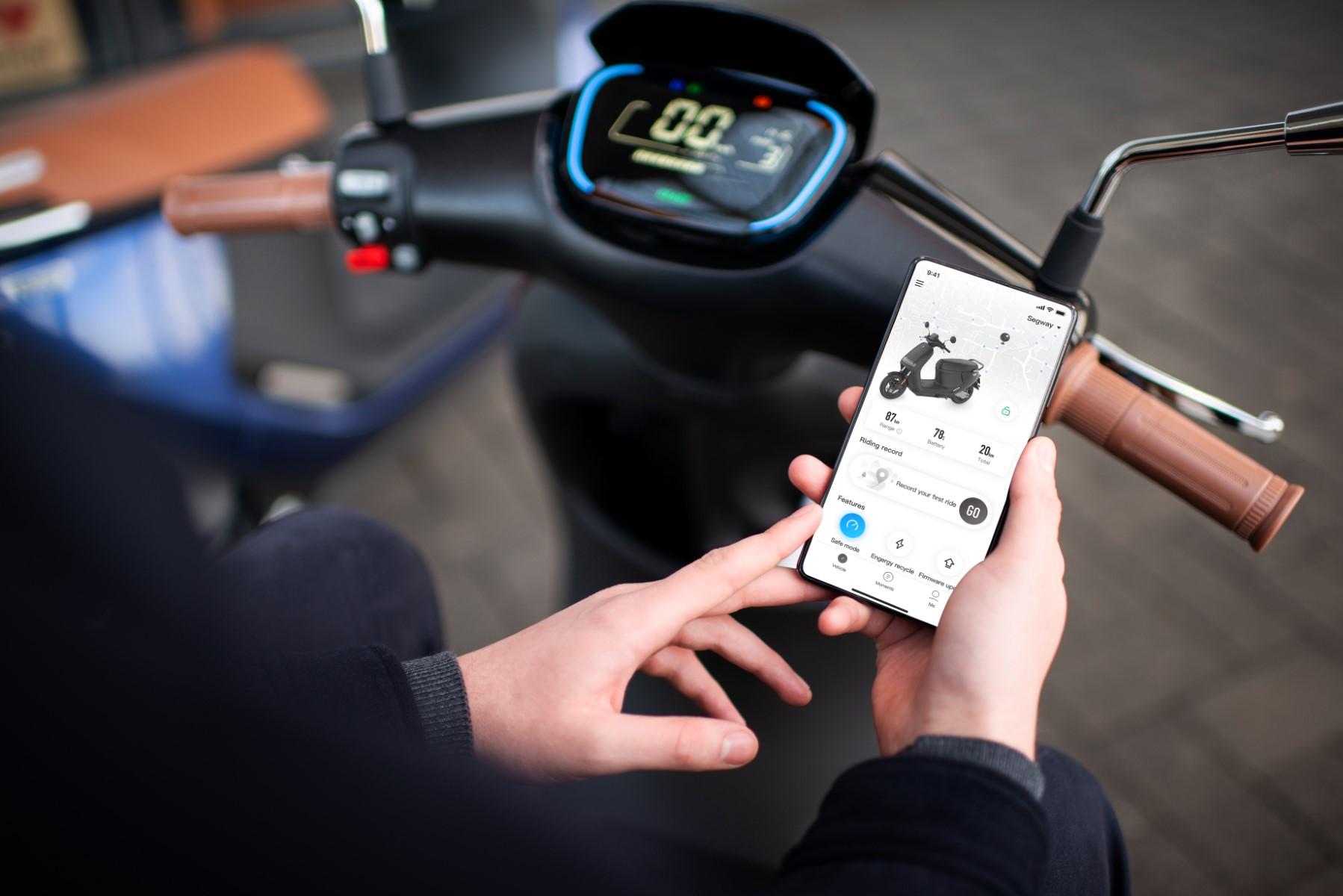 Segway EScooter E125S Smart Mobile App (1) (Custom)