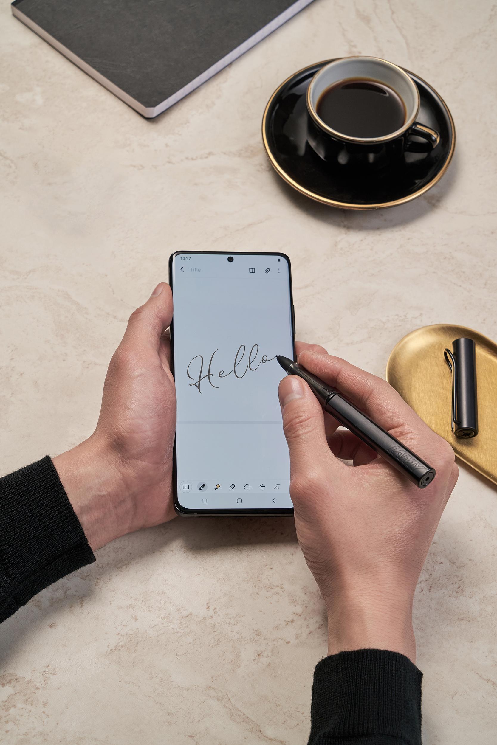 Samsung Galaxy S21 Ultra Lifestyle Cut Customize