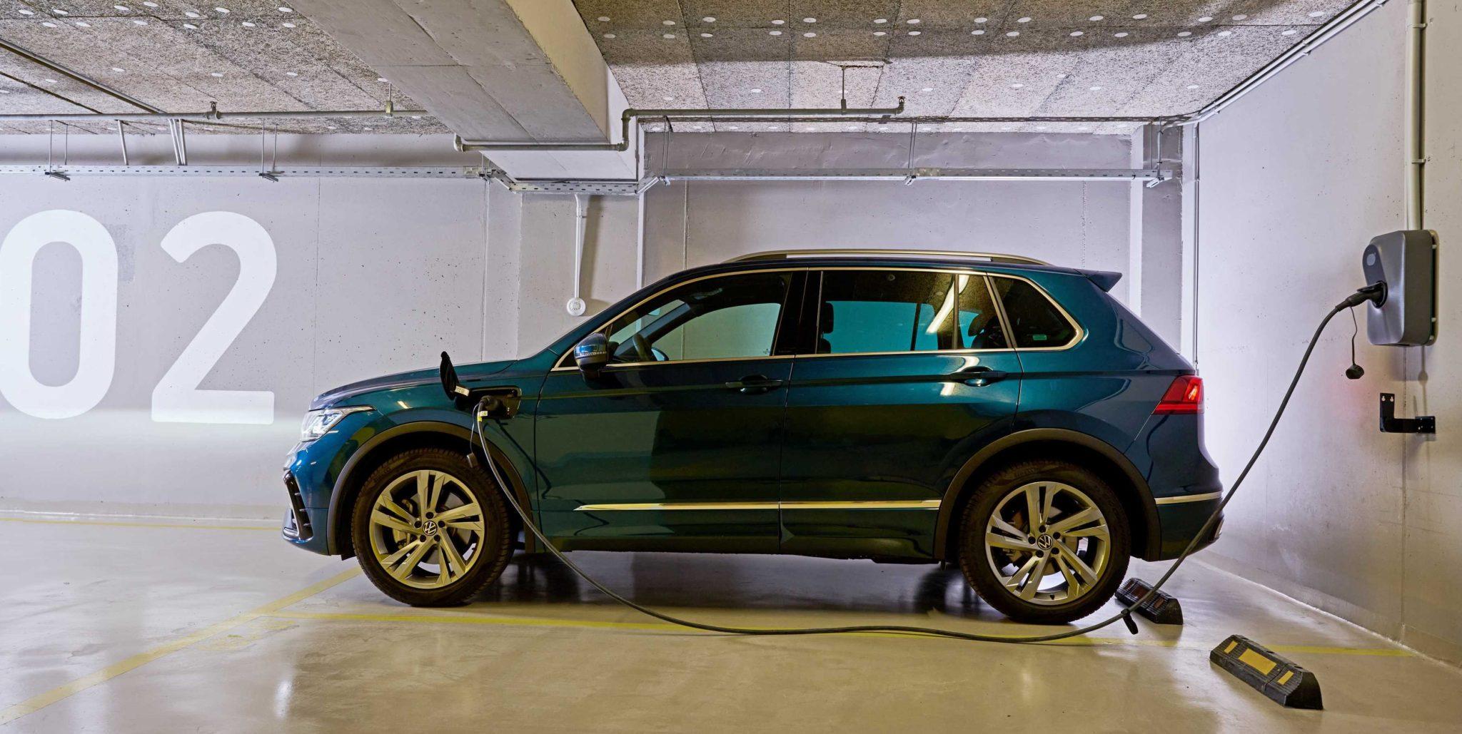 COSMOTE Hybrid Cars